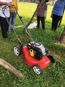 Máy cắt cỏ tự hành Yikito DCM1668